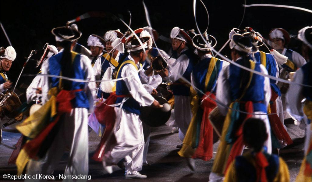 festival namsadang baudeogi à anseong festival coree troupe de namsadang