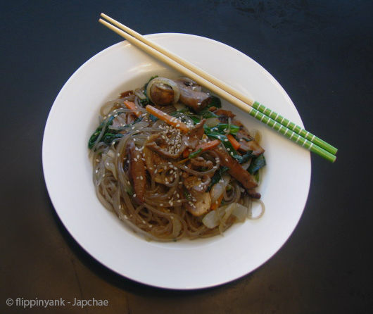 japchae nourriture traditionnelle coréenne