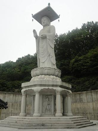 top 10 lieux à visiter Corée du sud statue géante Bouddha temple bouddhiste Bongeunsa Séoul