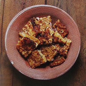 kimchijeon galette crêpe salée kimchi chou chinois fermentée repas parfait sous la pluie réconfortant avec alcool de riz makgeolli