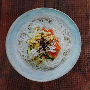 nouilles chaudes légumes sauce soja voyage en Asie Corée du sud
